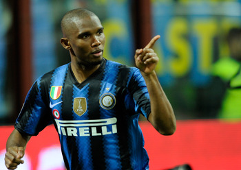 MILAN, ITALY - FEBRUARY 19:  Samuel Eto'o of FC Inter Milan during the Serie A match between FC Internazionale Milano and Cagliari Calcio at Stadio Giuseppe Meazza on February 19, 2011 in Milan, Italy.  (Photo by Claudio Villa/Getty Images)