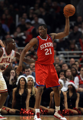 CHICAGO, IL - DECEMBER 21: Thaddeus Young #21 of the Philadelphia 76ers looks to pass against the Chicago Bulls at the United Center on December 21, 2010 in Chicago, Illinois. The Bulls defeated the 76ers 121-76. NOTE TO USER: User expressly acknowledges