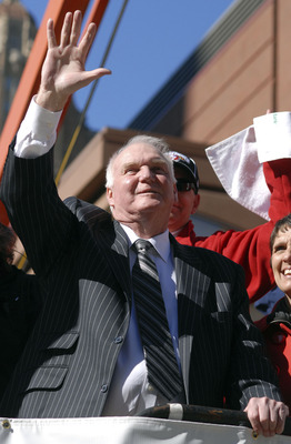 PHILADELPHIA, PA - OCTOBER 31: Manager Charlie Manuel of the Philadelphia Phillies waves to the crowd during the World Championship Parade October 31, 2008 in Philadelphia, Pennsylvania. The Phillies defeated the Tampa Bay Rays to win their first World Se