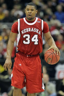 KANSAS CITY, MO - MARCH 10:  Lance Jeter #34 of the Nebraska Cornhuskers moves the ball in the second half against the Missouri Tigers during the first round game of the 2010 Phillips 66 Big 12 Men's Basketball Tournament at the Sprint Center on March 10,