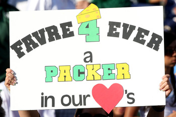 SAN DIEGO - SEPTEMBER 22:  A fan holds up a sign for Brett Favre of the New York Jets during the game between the Jets and the San Diego Chargers on September 22, 2008 at Qualcomm Stadium in San Diego, California.  (Photo by Stephen Dunn/Getty Images)