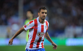 MADRID, SPAIN - SEPTEMBER 26:  Simao of Atletico Madrid in action during the La Liga match between Atletico Madrid and Real Zaragoza at the Vicente Calderon stadium on September 26, 2010 in Madrid, Spain.  (Photo by Denis Doyle/Getty Images)