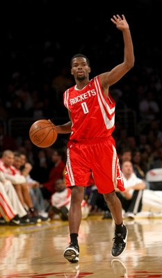 LOS ANGELES, CA - NOVEMBER 15:  Aaron Brooks #0 of the Houston Rockets controls the ball against the Los Angeles Lakers on November 15, 2009 at Staples Center in Los Angeles, California.  The Rockets won 101-91.  NOTE TO USER: User expressly acknowledges