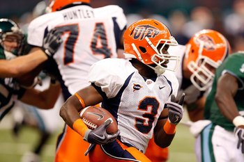 NEW ORLEANS - NOVEMBER 07:  Running back Donald Buckram #3 of the UTEP Miners at Louisana Superdome on November 7, 2009 in New Orleans, Louisiana.  (Photo by Ronald Martinez/Getty Images)