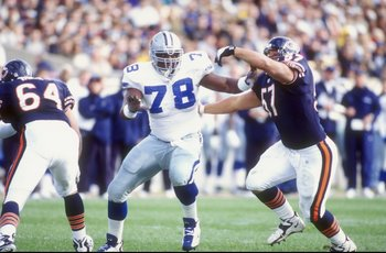 18 Oct 1998:  Defensive tackle Leon Lett #78 of the Dallas Cowboys in action against center Olin Kreutz #57 of the Chicago Bears during the game at Soldier Field in Chicago, Illinois. The Bears defeated the Cowboys 13-12. Mandatory Credit: Jonathan Daniel