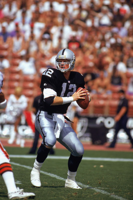 LOS ANGELES -SEPTEMBER 20:  Todd Marinovich #12 of the Los Angeles Raiders looks to pass during the game against the Cleveland Browns at Los Angeles Coliseum on September 20, 1992 in Los Angeles, California. The Browns won 28-16. (Photo by: Ken Levine/Get