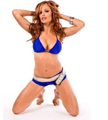 Wwe-hot-diva-christy-hemme-clothing_display_image