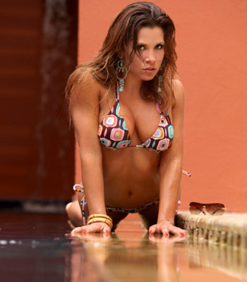 Mickie-james-looking-angry_display_image
