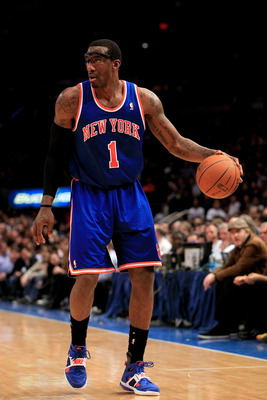 NEW YORK, NY - FEBRUARY 16:  Amar'e Stoudemire #1 of the New York Knicks dribbles the ball against the Atlanta Hawks at Madison Square Garden on February 16, 2011 in New York City. NOTE TO USER: User expressly acknowledges and agrees that, by downloading