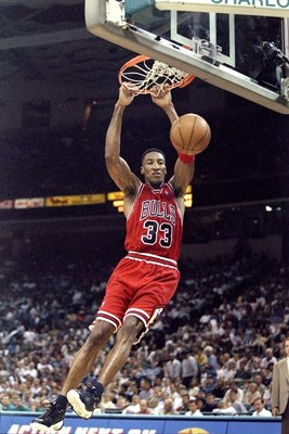 8 May 1998:  Scottie Pippen #33 of the Chicago Bulls jumps to dunk the ball during the East Conference Semifinals against the Charlotte Hornets  at Charlotte Coliseum in Charlotte, North Carolina. The Bulls defeated the Hornets 103-83. Mandatory Credit: C
