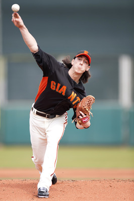 SCOTTSDALE, AZ - FEBRUARY 25: Tim Lincecum #55 of the San Francisco Giants pitches during a spring training game against the Arizona Diamondbacks at Scottsdale Stadium on February 25, 2011 in Scottsdale, Arizona. (Photo by Rob Tringali/Getty Images)