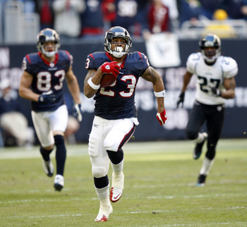 HOUSTON - JANUARY 02:  Running back Arian Foster #23 of the Houston Texans rushes for major yards against the Jacksonville Jaguars at Reliant Stadium on January 2, 2011 in Houston, Texas.  (Photo by Bob Levey/Getty Images)