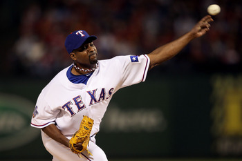 ARLINGTON, TX - OCTOBER 31:  Darren Oliver #28 of the Texas Rangers pitches against the San Francisco Giants in Game Four of the 2010 MLB World Series at Rangers Ballpark in Arlington on October 31, 2010 in Arlington, Texas.  (Photo by Elsa/Getty Images)