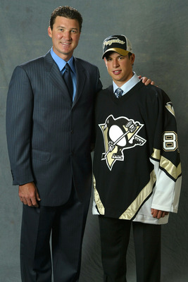 OTTAWA, ONT - JULY 30:  (L-R)  Mario Lemieux and first overall draft pick Sidney Crosby of the Pittsburgh Penguins pose together for a portrait during the 2005 National Hockey League Draft on July 30, 2005 at the Westin Hotel in Ottawa, Canada.  (Photo by