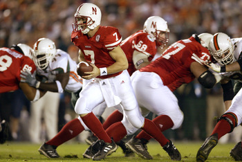 3 Jan 2002:  Quarterback Eric Crouch #7 of  Nebraska drops back to pass against the defense of Miami during the Rose Bowl National Championship game at the Rose Bowl in Pasadena, California.  Miami won the game 37-14, winning the BCS and the National Cham
