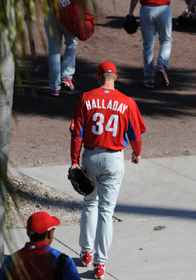 CLEARWATER, FL - FEBRUARY 19: Pitcher Roy Halladay #34 of the Philadelphia Phillies takes the field for a spring training workout February 19, 2011 the Carpenter Complex at Bright House Field in Clearwater, Florida. (Photo by Al Messerschmidt/Getty Images
