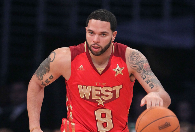 LOS ANGELES, CA - FEBRUARY 20:  Deron Williams #8 of the Utah Jazz and the Western Conference moves the ball in the 2011 NBA All-Star Game at Staples Center on February 20, 2011 in Los Angeles, California. NOTE TO USER: User expressly acknowledges and agr