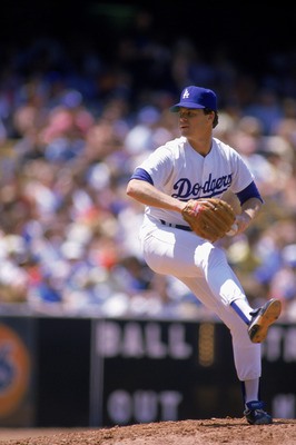 LOS ANGELES - 1986:  Rick Honeycutt of the Los Angeles Dodgers winds up for the pitch during the game against the Pittsburgh Pirates in Los Angeles, Califronia. (Photo by Mike Powell/Getty Images)