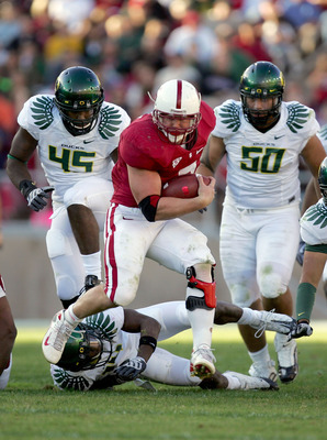 PALO ALTO, CA - NOVEMBER 07:  Toby Gerhart #7 of the Stanford Cardinal runs with the ball during their game against the Oregon Ducks at Stanford Stadium on November 7, 2009 in Palo Alto, California.  (Photo by Ezra Shaw/Getty Images)