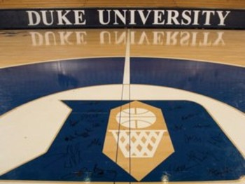 Duke-university-mens-sports-basketball-2006-duke-team-signs-center-court-d-m-b-00180md_display_image