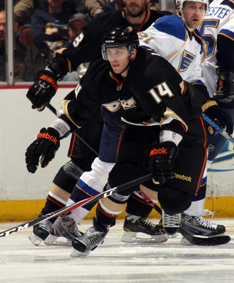 ANAHEIM, CA - JANUARY 12:  Maxim Lapierre #14 of the Anaheim Ducks skates against the St. Louis Blues at the Honda Center on January 12, 2011 in Anaheim, California.  (Photo by Bruce Bennett/Getty Images)