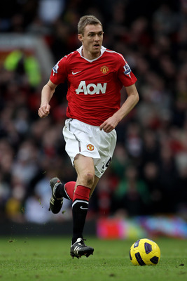 MANCHESTER, ENGLAND - FEBRUARY 12:  Darren Fletcher of Manchester United in action during the Barclays Premier League match between Manchester United and Manchester City at Old Trafford on February 12, 2011 in Manchester, England.  (Photo by Alex Livesey/