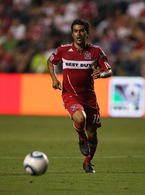 BRIDGEVIEW, IL - AUGUST 08: Nery Castillo #10 of the Chicago Fire chases down the ball against the New York Red Bulls in an MLS match on August 8, 2010 at Toyota Park in Bridgeview, Illinois. The Fire and the Red Bulls tied 0-0. (Photo by Jonathan Daniel/