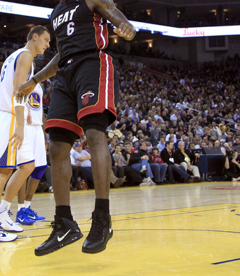 OAKLAND, CA - DECEMBER 10:  Lebron James #6 of the Miami Heat in action against the Golden State Warriors at Oracle Arena on December 10, 2010 in Oakland, California. NOTE TO USER: User expressly acknowledges and agrees that, by downloading and or using t