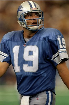 13 Sep 1998:  Quarterback Scott Mitchell #19 of the Detroit Lions in action during the game against the Cincinnati Bengals at the Pontiac Silverdome in Pontiac, Michigan. The Bengals defeated the Lions 34-28. Mandatory Credit: Vincent Laforet  /Allsport