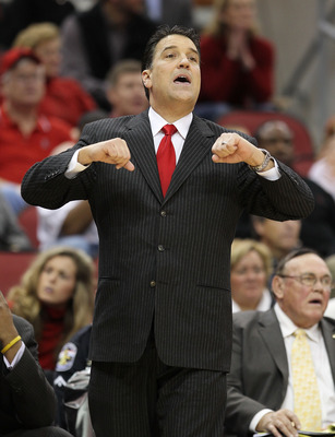 LOUISVILLE, KY - JANUARY 19: Steve Lavin the Head Coach of the St. John's Red Storm gives instructions to his team during the Big East Conference game against the Louisville Cardinals at the KFC Yum! Center on January 19, 2011 in Louisville, Kentucky.  (P