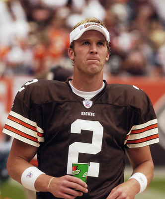 CLEVELAND - SEPTEMBER 28:  Quarterback Tim Couch #2 of the Cleveland Browns drinks Gatorade during a game against the Cincinnati Bengals at Cleveland Browns Stadium on September 28, 2003 in Cleveland, Ohio. The Bengals defeated the Browns 21-14.  (Photo b