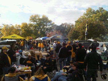 Iowa-tailgating_display_image