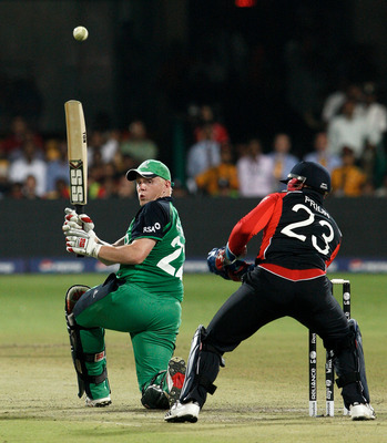 BANGALORE, INDIA - MARCH 02:  Kevin O'Brien of Ireland batting against England in the Group B  2011 ICC World Cup match between England and Ireland at M. Chinnaswamy Stadium on March 2, 2011 in Bangalore, India.  (Photo by Graham Crouch/Getty Images)