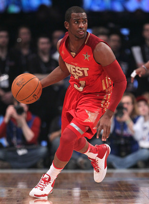LOS ANGELES, CA - FEBRUARY 20:  Chris Paul #3 of the New Orleans Hornets and the Western Conference moves the ball in the 2011 NBA All-Star Game at Staples Center on February 20, 2011 in Los Angeles, California. NOTE TO USER: User expressly acknowledges a