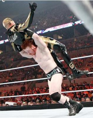 Sheamus-threw-down-the-goldust_display_image