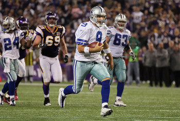 MINNEAPOLIS - OCTOBER 17:  Quarterback Tony Romo #9 of the Dallas Cowboys carries the ball in the second quarter against the Minnesota Vikings at Mall of America Field on October 17, 2010 in Minneapolis, Minnesota.  (Photo by Jeff Gross/Getty Images)