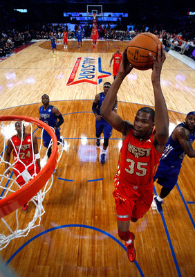 LOS ANGELES, CA - FEBRUARY 20:  Kevin Durant #35 of the Oklahoma City Thunder and the Western Conference goes up for a dunk in the 2011 NBA All-Star Game at Staples Center on February 20, 2011 in Los Angeles, California. NOTE TO USER: User expressly ackno