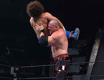 Kane-chokeslam_display_image