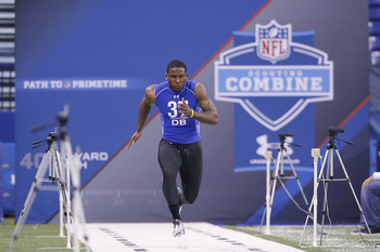 INDIANAPOLIS, IN - MARCH 1: Defensive back Patrick Peterson #37 of LSU runs the 40-yard dash during the 2011 NFL Scouting Combine at Lucas Oil Stadium on February 28, 2011 in Indianapolis, Indiana. (Photo by Joe Robbins/Getty Images)