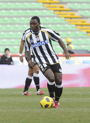 UDINE, ITALY - FEBRUARY 20:  Kwadwo Asamoah of Udinese in action during the Serie A match between Udinese Calcio and Brescia Calcio at Stadio Friuli on February 20, 2011 in Udine, Italy.  (Photo by Dino Panato/Getty Images)