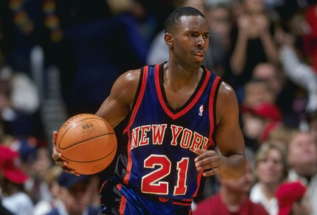 29 Jan 1999: Charlie Ward #21 of the New York Knicks dribbles the ball during a game against the New Jersey Nets at the Continental Airlines Arena in East Rutherford, New Jersey. The Nets defeated the Knicks 92-90.  Mandatory Credit: Ezra O. Shaw  /Allspo