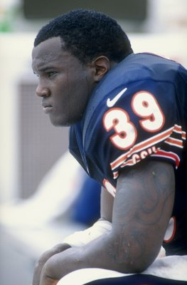 20 Sep 1998:  Running back Curtis Enis #39 of the Chicago Bears looks on during the game against the Tampa Bay Buccaneers at the Raymond James Stadium in Tampa, Florida. The Buccaneers defeated the Bears 27-15. Mandatory Credit: Scott Halleran  /Allsport