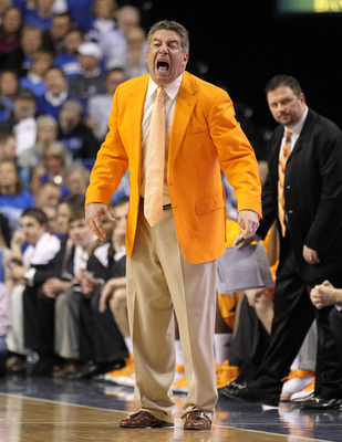 LEXINGTON, KY - FEBRUARY 08:  Bruce Pearl the Head Coach of the Tennessee Volunteers gives instructions to his team during the SEC game against the Kentucky Wildcats at Rupp Arena on February 8, 2011 in Lexington, Kentucky.  Kentucky won 73-61. (Photo by