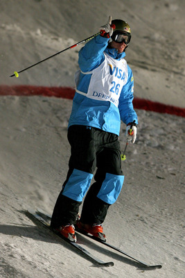 PARK CITY, UT - JANUARY 31:  Jeremy Bloom competes in the Dual Moguls during the Visa Freestyle International, a FIS Freestyle World Cup event, at Deer Valley Resort January 31, 2009 in Park City, Utah.  (Photo by Matthew Stockman/Getty Images)
