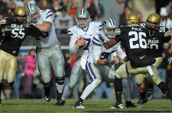 BOULDER, CO - NOVEMBER 20:  Quarterback Collin Klein #7 of the Kansas State Wildcats rushes with the ball against the Colorado Buffaloes at Folsom Field on November 20, 2010 in Boulder, Colorado. Colorado defeated Kansas State 44-36.  (Photo by Doug Pensi
