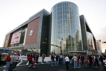 NEWARK, NJ - OCTOBER 27:  Fans wait outside before a game between the Ottawa Senators and the New Jersey Devils at the Prudential Center October 27, 2007 in Newark, New Jersey. (Photo by Jeff Zelevansky/Getty Images)
