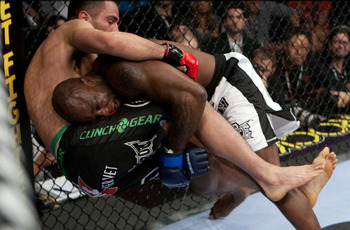 King Mo wrestled away the title from Mousasi over the course of five rounds