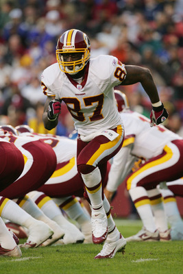 LANDOVER,MD - DECEMBER 5:  Rod Gardner #87 of the Washington Redskins runs in motion before the snap during the game against the New York Giants at Fed Ex Field on December 5, 2004 in Landover, Maryland. The Redskins won 31-7. (Photo by Jamie Squire/Getty