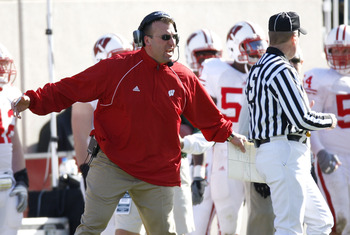 EAST LANSING, MI - NOVEMBER 01:  Head coach Brett Bielema of the Wisconsin Badgers argues a third quarter call while playing the Michigan State Spartans on November 1, 2008 at Spartan Stadium in East Lansing, Michigan. Michigan State won the game 25-24.