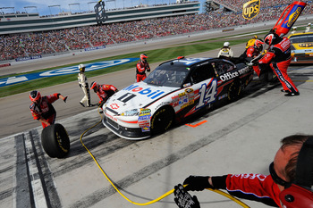 A critical mistake on pit road cost Tony Stewart a chance to check off Las Vegas on his to-do list.